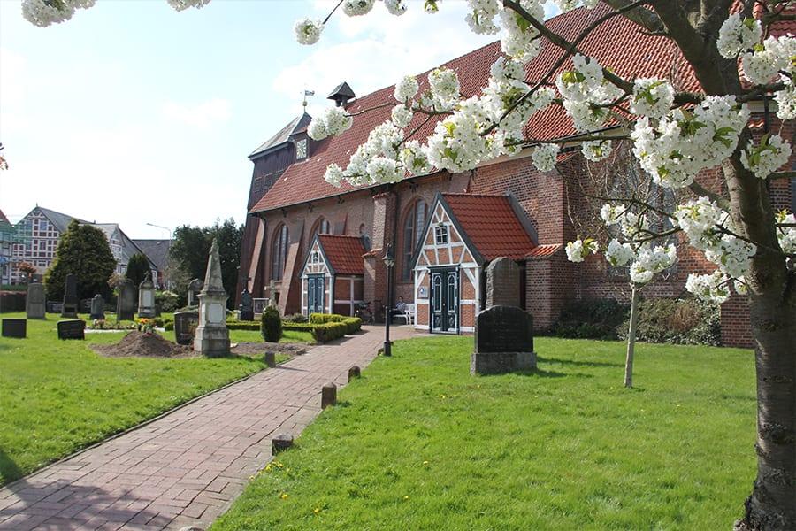 Altländer Kirche in Mittelnkirchen