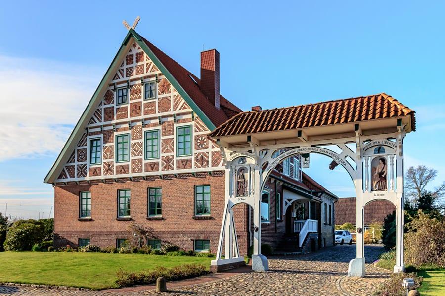 Fachwerkhaus mit Prunkpforte Rieper Jork