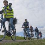 Altländer Gästeführer bei Radtour durch das Alte Land